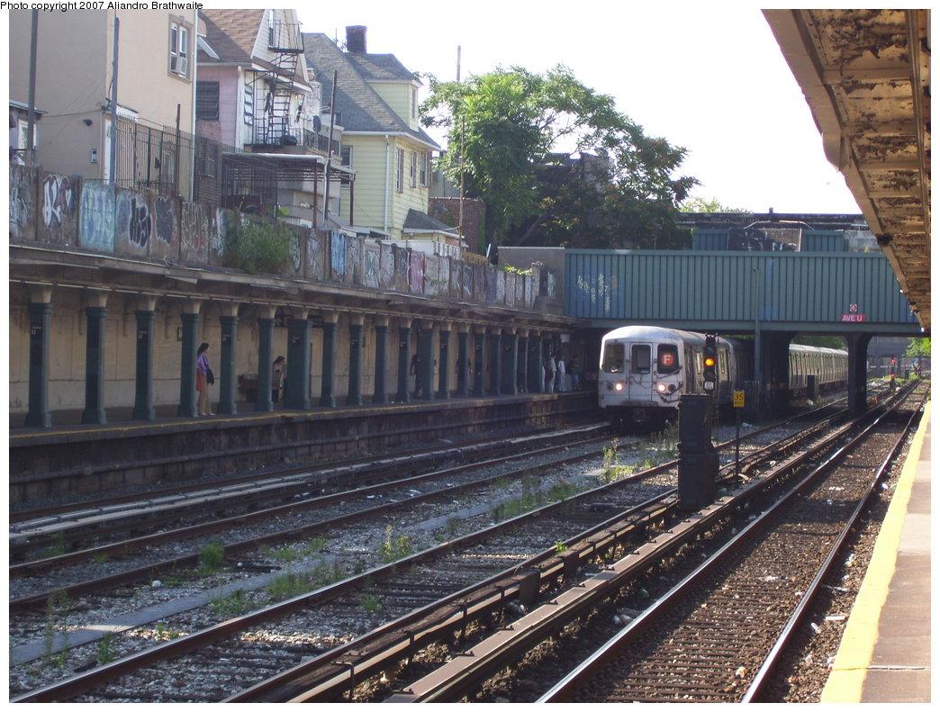 (234k, 1044x791)<br><b>Country:</b> United States<br><b>City:</b> New York<br><b>System:</b> New York City Transit<br><b>Line:</b> BMT Sea Beach Line<br><b>Location:</b> Avenue U <br><b>Route:</b> F<br><b>Car:</b> R-46 (Pullman-Standard, 1974-75) 5690 <br><b>Photo by:</b> Aliandro Brathwaite<br><b>Date:</b> 8/27/2007<br><b>Notes:</b> F reroute over Sea Beach line.<br><b>Viewed (this week/total):</b> 0 / 3090