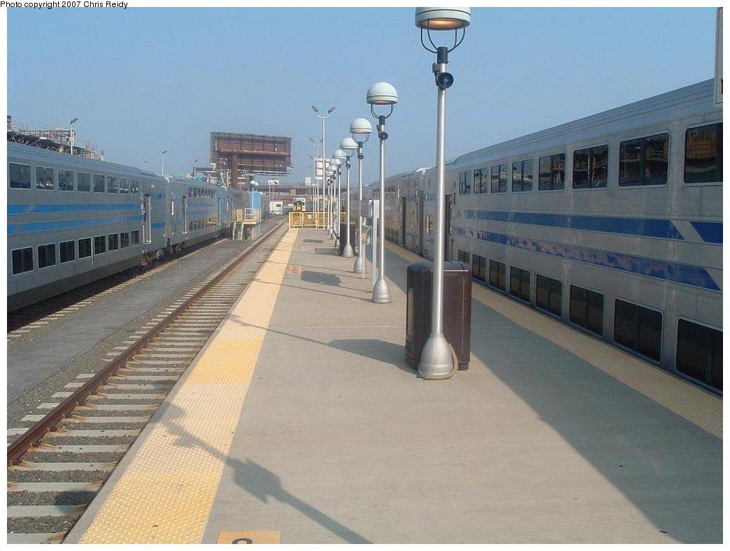 (142k, 1044x788)<br><b>Country:</b> United States<br><b>City:</b> New York<br><b>System:</b> Long Island Rail Road<br><b>Line:</b> LIRR Long Island City<br><b>Location:</b> Long Island City <br><b>Photo by:</b> Chris Reidy<br><b>Date:</b> 8/24/2007<br><b>Viewed (this week/total):</b> 0 / 1986