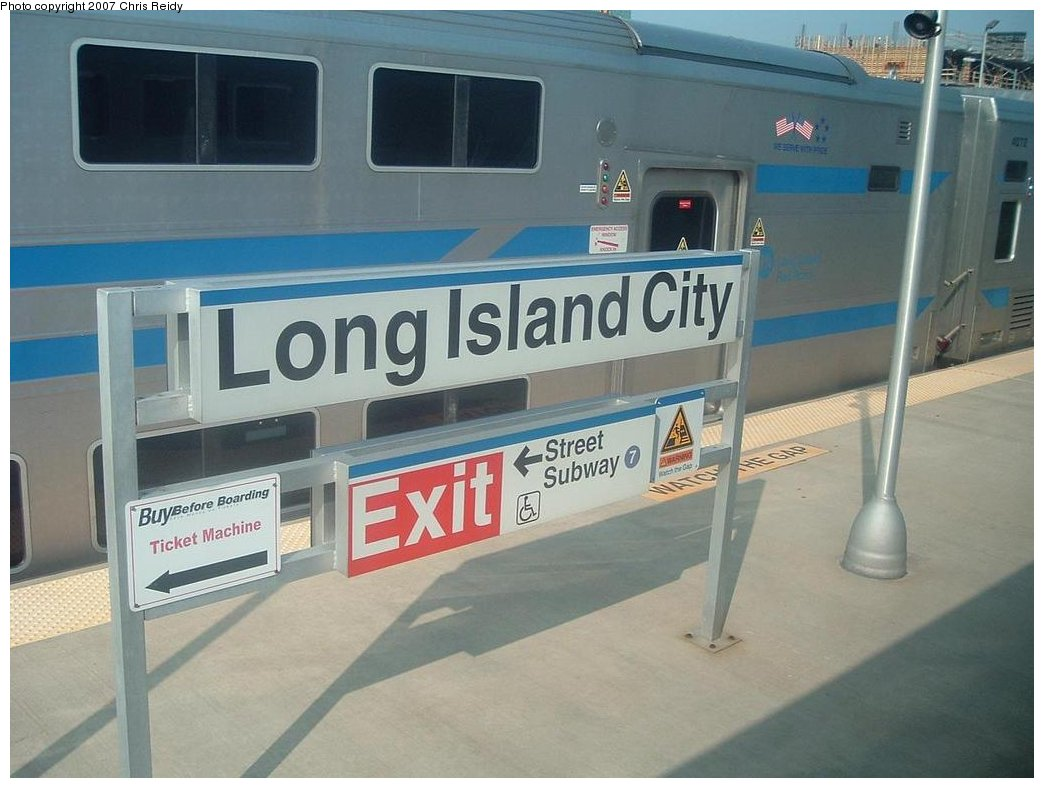 (143k, 1044x788)<br><b>Country:</b> United States<br><b>City:</b> New York<br><b>System:</b> Long Island Rail Road<br><b>Line:</b> LIRR Long Island City<br><b>Location:</b> Long Island City <br><b>Photo by:</b> Chris Reidy<br><b>Date:</b> 8/24/2007<br><b>Viewed (this week/total):</b> 0 / 1866