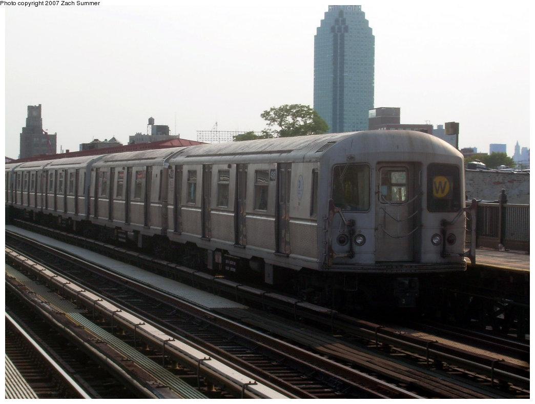 (165k, 1044x788)<br><b>Country:</b> United States<br><b>City:</b> New York<br><b>System:</b> New York City Transit<br><b>Line:</b> BMT Astoria Line<br><b>Location:</b> 36th/Washington Aves. <br><b>Route:</b> W<br><b>Car:</b> R-40M (St. Louis, 1969)  4516 <br><b>Photo by:</b> Zach Summer<br><b>Date:</b> 8/14/2007<br><b>Viewed (this week/total):</b> 0 / 2114