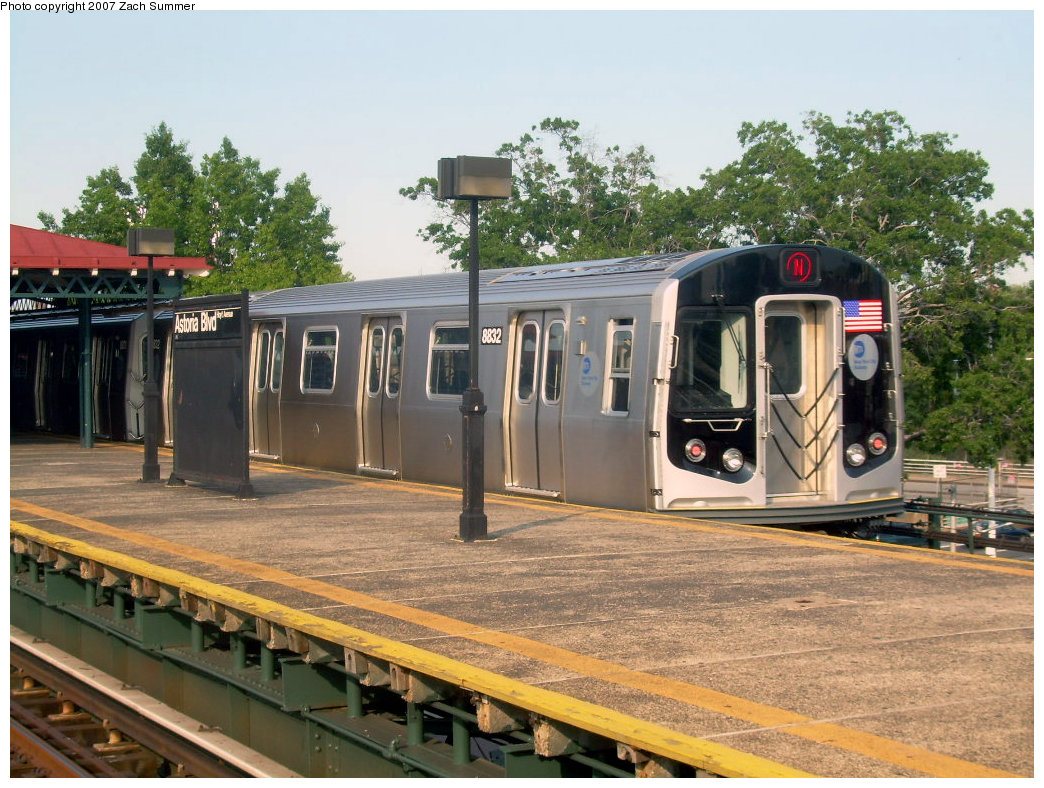 (255k, 1044x788)<br><b>Country:</b> United States<br><b>City:</b> New York<br><b>System:</b> New York City Transit<br><b>Line:</b> BMT Astoria Line<br><b>Location:</b> Astoria Boulevard/Hoyt Avenue <br><b>Route:</b> N<br><b>Car:</b> R-160B (Kawasaki, 2005-2008)  8832 <br><b>Photo by:</b> Zach Summer<br><b>Date:</b> 8/14/2007<br><b>Viewed (this week/total):</b> 2 / 2153