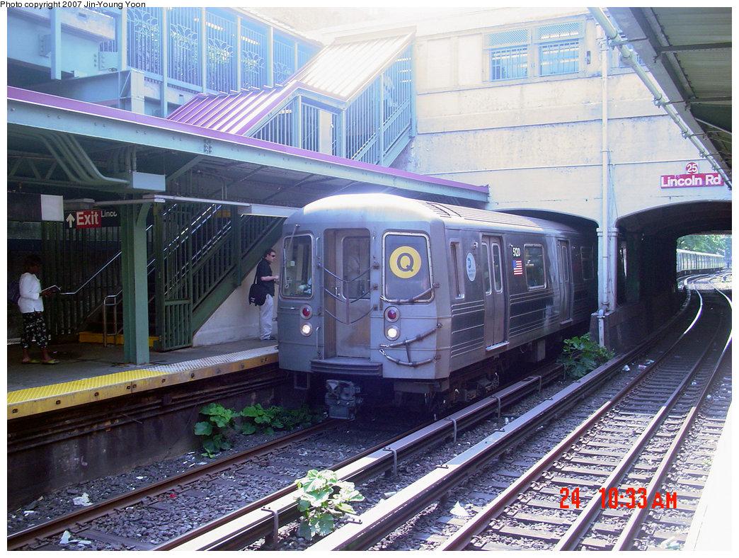 (293k, 1044x788)<br><b>Country:</b> United States<br><b>City:</b> New York<br><b>System:</b> New York City Transit<br><b>Line:</b> BMT Brighton Line<br><b>Location:</b> Prospect Park <br><b>Route:</b> Q<br><b>Car:</b> R-68A (Kawasaki, 1988-1989)  5120 <br><b>Photo by:</b> Jin-Young Yoon<br><b>Date:</b> 8/24/2007<br><b>Viewed (this week/total):</b> 0 / 2432