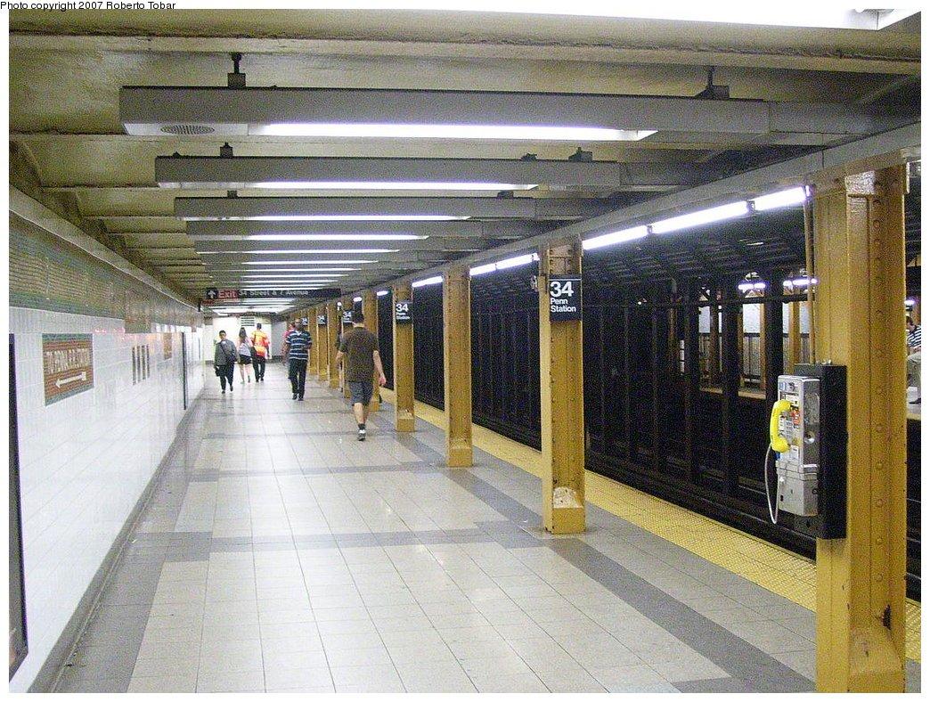 (245k, 1044x788)<br><b>Country:</b> United States<br><b>City:</b> New York<br><b>System:</b> New York City Transit<br><b>Line:</b> IRT West Side Line<br><b>Location:</b> 34th Street/Penn Station <br><b>Photo by:</b> Roberto C. Tobar<br><b>Date:</b> 8/28/2007<br><b>Viewed (this week/total):</b> 0 / 2200