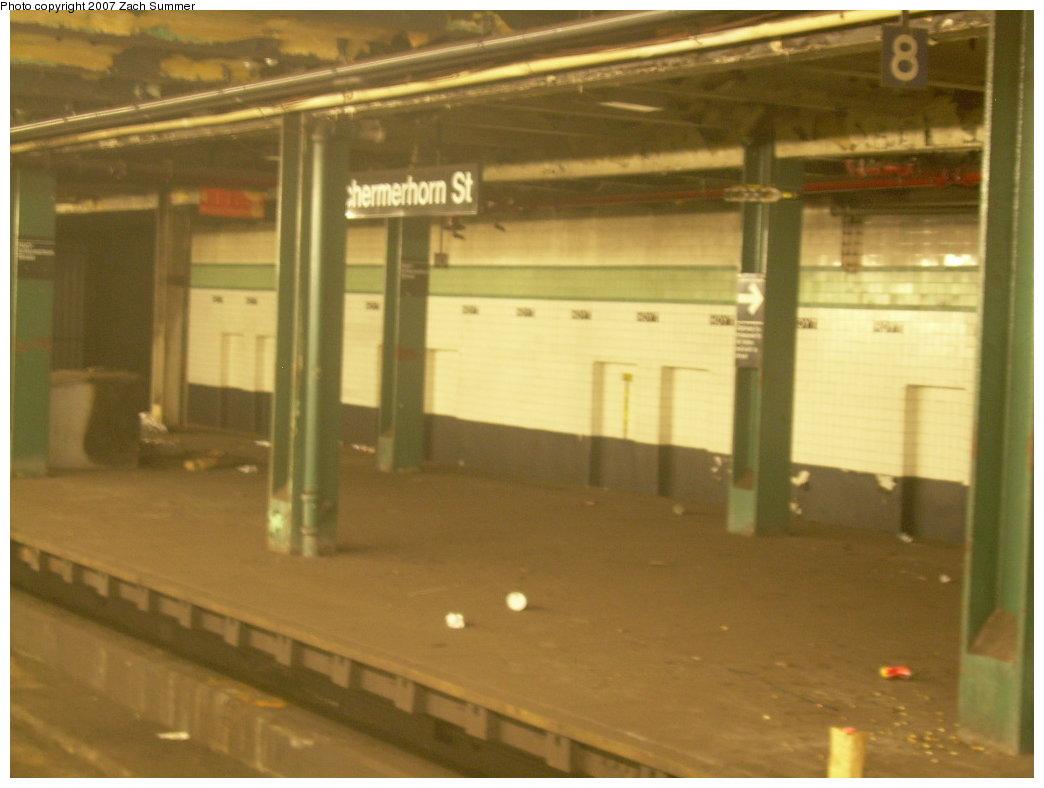 (153k, 1044x788)<br><b>Country:</b> United States<br><b>City:</b> New York<br><b>System:</b> New York City Transit<br><b>Line:</b> IND Fulton Street Line<br><b>Location:</b> Hoyt-Schermerhorn Street <br><b>Photo by:</b> Zach Summer<br><b>Date:</b> 8/18/2007<br><b>Notes:</b> Unused side platform at Hoyt-Schermerhorn.<br><b>Viewed (this week/total):</b> 1 / 2691