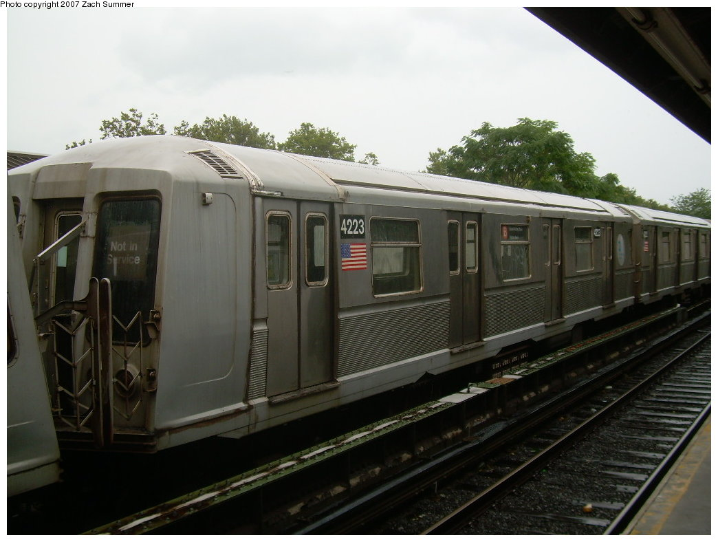 (177k, 1044x788)<br><b>Country:</b> United States<br><b>City:</b> New York<br><b>System:</b> New York City Transit<br><b>Line:</b> BMT Brighton Line<br><b>Location:</b> Neck Road <br><b>Car:</b> R-40 (St. Louis, 1968)  4223 <br><b>Photo by:</b> Zach Summer<br><b>Date:</b> 8/19/2007<br><b>Notes:</b> Layup.<br><b>Viewed (this week/total):</b> 1 / 1732