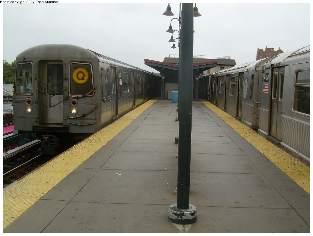 (165k, 1044x788)<br><b>Country:</b> United States<br><b>City:</b> New York<br><b>System:</b> New York City Transit<br><b>Line:</b> BMT Brighton Line<br><b>Location:</b> Brighton Beach <br><b>Route:</b> Q<br><b>Car:</b> R-68A (Kawasaki, 1988-1989)  5028 <br><b>Photo by:</b> Zach Summer<br><b>Date:</b> 8/22/2007<br><b>Viewed (this week/total):</b> 0 / 1714