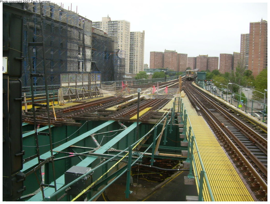 (260k, 1044x788)<br><b>Country:</b> United States<br><b>City:</b> New York<br><b>System:</b> New York City Transit<br><b>Line:</b> BMT Brighton Line<br><b>Location:</b> Ocean Parkway <br><b>Photo by:</b> Zach Summer<br><b>Date:</b> 8/22/2007<br><b>Notes:</b> Track rebuild project.<br><b>Viewed (this week/total):</b> 0 / 1821
