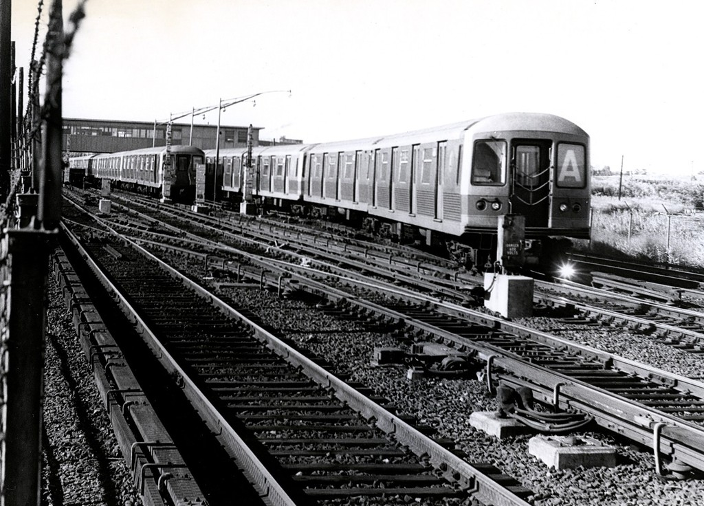 (235k, 1024x736)<br><b>Country:</b> United States<br><b>City:</b> New York<br><b>System:</b> New York City Transit<br><b>Line:</b> IND Rockaway<br><b>Location:</b> Howard Beach <br><b>Route:</b> A<br><b>Car:</b> R-42 (St. Louis, 1969-1970)   <br><b>Collection of:</b> George Conrad Collection<br><b>Date:</b> 9/12/1970<br><b>Viewed (this week/total):</b> 2 / 1946