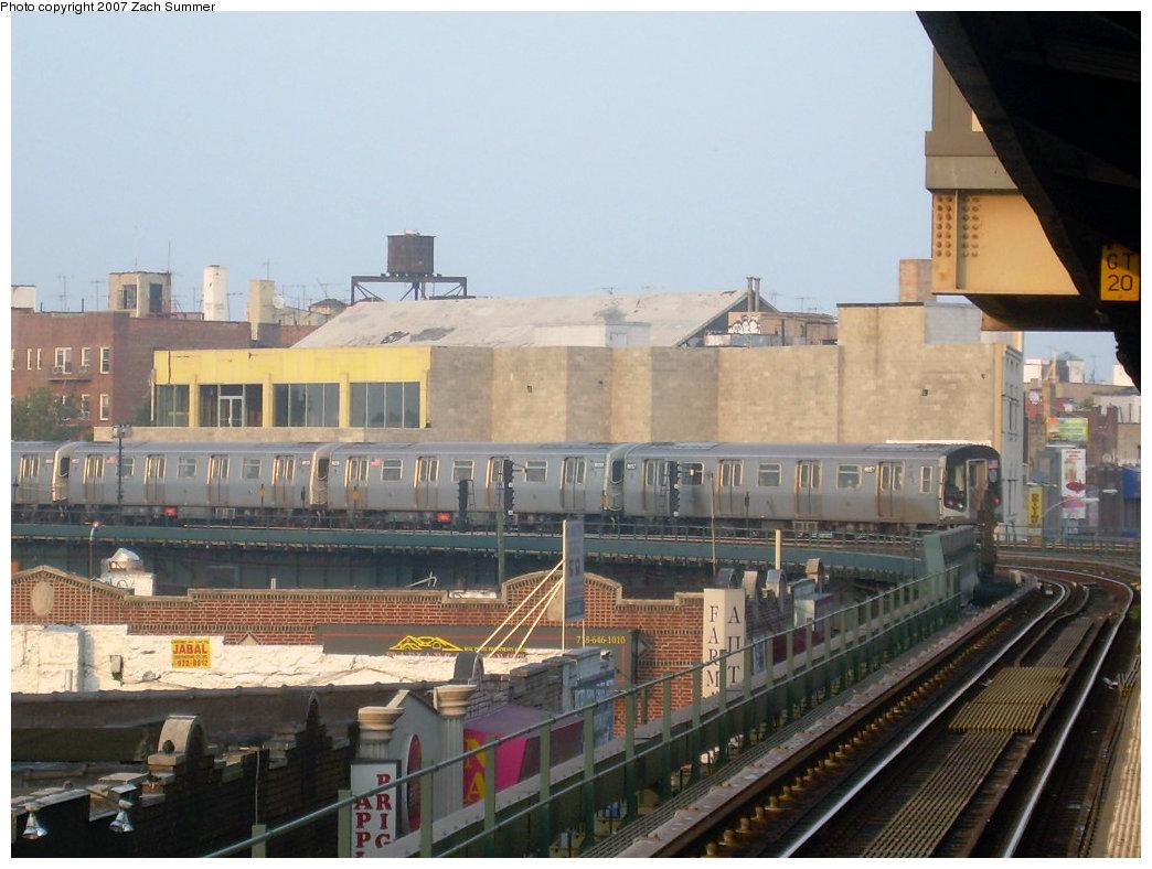 (203k, 1044x788)<br><b>Country:</b> United States<br><b>City:</b> New York<br><b>System:</b> New York City Transit<br><b>Line:</b> BMT Brighton Line<br><b>Location:</b> Brighton Beach <br><b>Car:</b> R-160A-2 (Alstom, 2005-2008, 5 car sets)  8657 <br><b>Photo by:</b> Zach Summer<br><b>Date:</b> 8/25/2007<br><b>Viewed (this week/total):</b> 2 / 3452