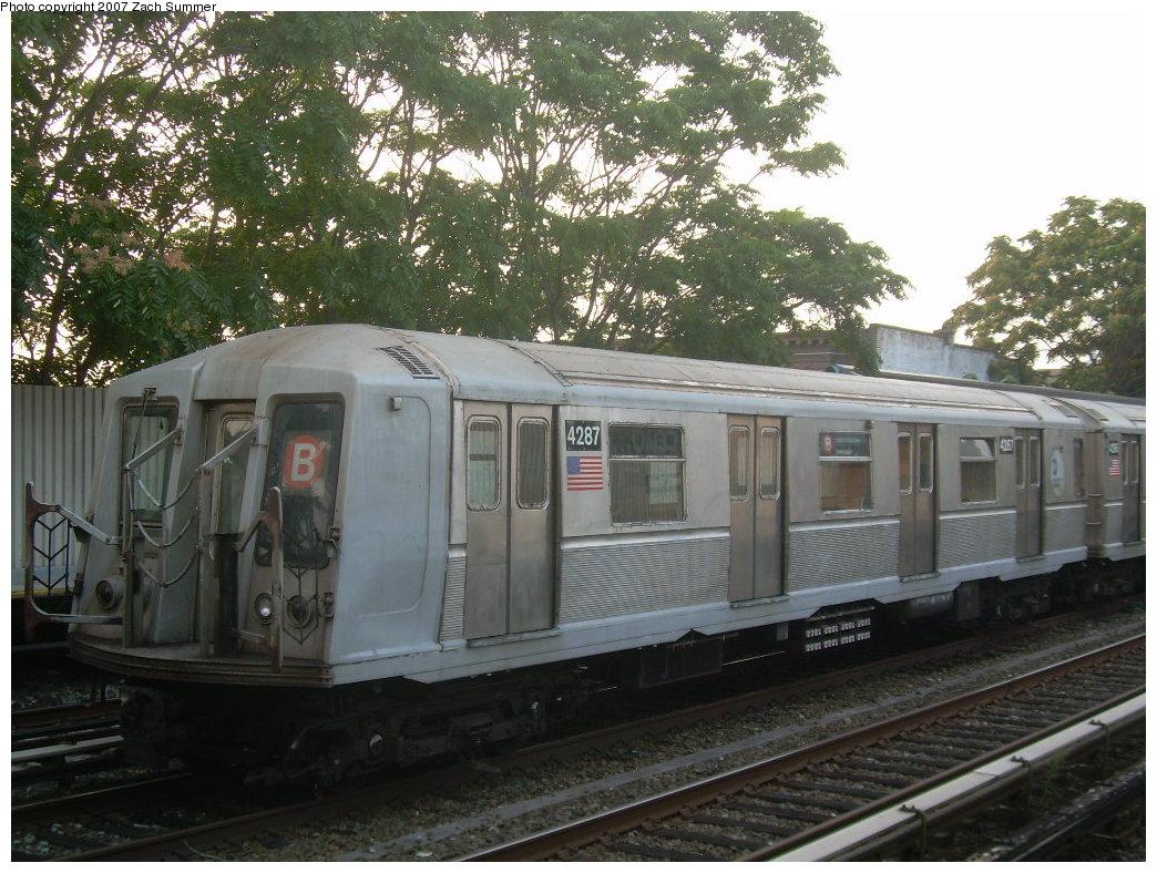 (248k, 1044x788)<br><b>Country:</b> United States<br><b>City:</b> New York<br><b>System:</b> New York City Transit<br><b>Line:</b> BMT Brighton Line<br><b>Location:</b> Neck Road <br><b>Car:</b> R-40 (St. Louis, 1968)  4287 <br><b>Photo by:</b> Zach Summer<br><b>Date:</b> 8/25/2007<br><b>Notes:</b> Layup.<br><b>Viewed (this week/total):</b> 0 / 2020