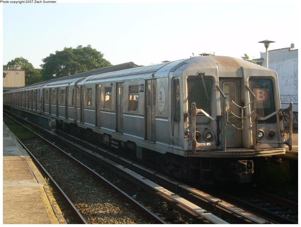 (197k, 1044x788)<br><b>Country:</b> United States<br><b>City:</b> New York<br><b>System:</b> New York City Transit<br><b>Line:</b> BMT Brighton Line<br><b>Location:</b> Kings Highway <br><b>Route:</b> B<br><b>Car:</b> R-40 (St. Louis, 1968)  4240 <br><b>Photo by:</b> Zach Summer<br><b>Date:</b> 8/27/2007<br><b>Viewed (this week/total):</b> 2 / 1610