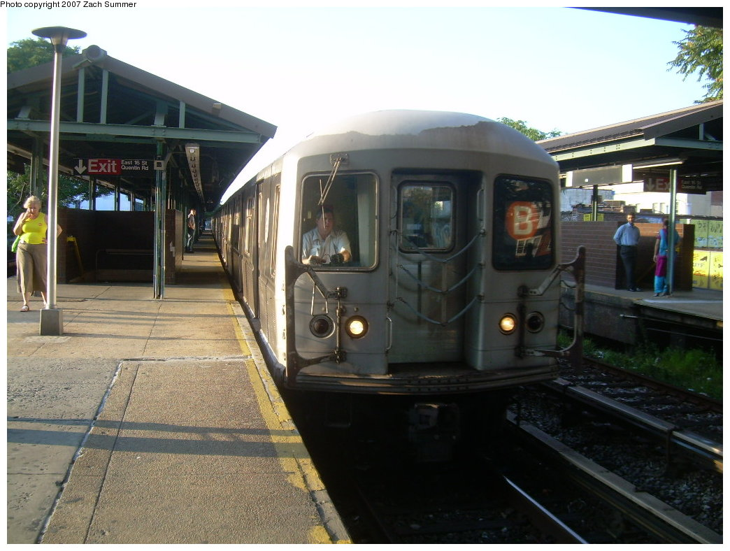 (207k, 1044x788)<br><b>Country:</b> United States<br><b>City:</b> New York<br><b>System:</b> New York City Transit<br><b>Line:</b> BMT Brighton Line<br><b>Location:</b> Kings Highway <br><b>Route:</b> B<br><b>Car:</b> R-40M (St. Louis, 1969)  4470 <br><b>Photo by:</b> Zach Summer<br><b>Date:</b> 8/27/2007<br><b>Viewed (this week/total):</b> 0 / 1552