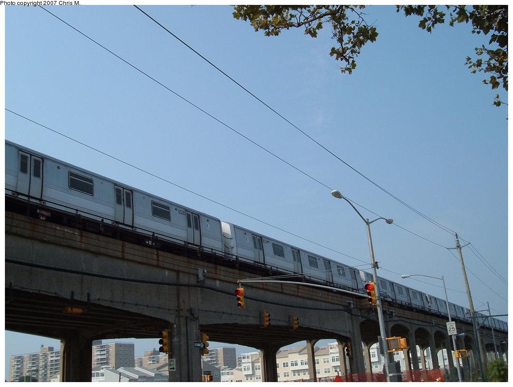 (147k, 1044x788)<br><b>Country:</b> United States<br><b>City:</b> New York<br><b>System:</b> New York City Transit<br><b>Line:</b> IND Rockaway<br><b>Location:</b> Beach 67th Street/Gaston Avenue <br><b>Route:</b> A<br><b>Car:</b> R-44 (St. Louis, 1971-73) 5454 <br><b>Photo by:</b> Chris M.<br><b>Date:</b> 8/31/2007<br><b>Notes:</b> View of el at Beach 71st (nr. Beach 67th station).<br><b>Viewed (this week/total):</b> 1 / 1710