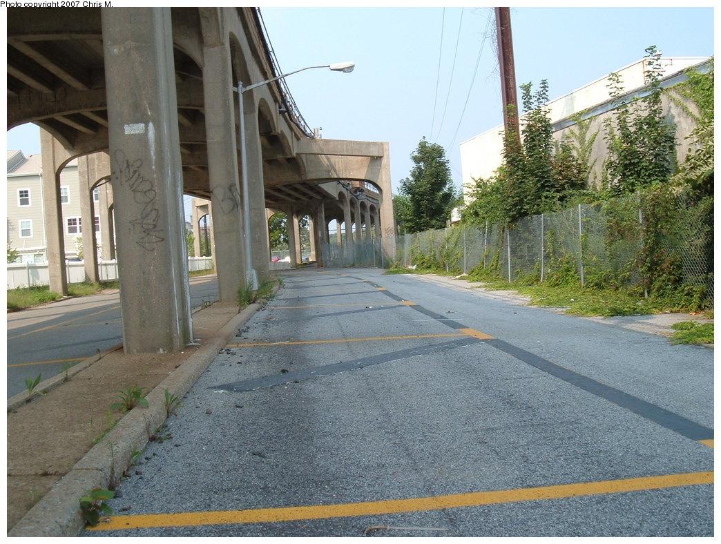 (230k, 1044x788)<br><b>Country:</b> United States<br><b>City:</b> New York<br><b>System:</b> New York City Transit<br><b>Line:</b> IND Rockaway<br><b>Location:</b> Hammels Wye <br><b>Photo by:</b> Chris M.<br><b>Date:</b> 8/31/2007<br><b>Notes:</b> Under Hammels Wye (Far Rock side.)<br><b>Viewed (this week/total):</b> 0 / 1921