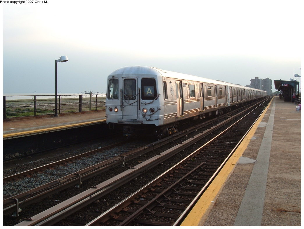 (156k, 1044x788)<br><b>Country:</b> United States<br><b>City:</b> New York<br><b>System:</b> New York City Transit<br><b>Line:</b> IND Rockaway<br><b>Location:</b> Beach 44th Street/Frank Avenue <br><b>Route:</b> A<br><b>Car:</b> R-44 (St. Louis, 1971-73) 5268 <br><b>Photo by:</b> Chris M.<br><b>Date:</b> 8/31/2007<br><b>Viewed (this week/total):</b> 1 / 1875