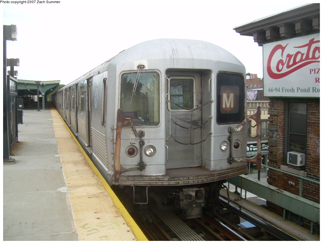 (186k, 1044x788)<br><b>Country:</b> United States<br><b>City:</b> New York<br><b>System:</b> New York City Transit<br><b>Line:</b> BMT Myrtle Avenue Line<br><b>Location:</b> Fresh Pond Road <br><b>Route:</b> M<br><b>Car:</b> R-42 (St. Louis, 1969-1970)  4904 <br><b>Photo by:</b> Zach Summer<br><b>Date:</b> 8/28/2007<br><b>Viewed (this week/total):</b> 4 / 1956