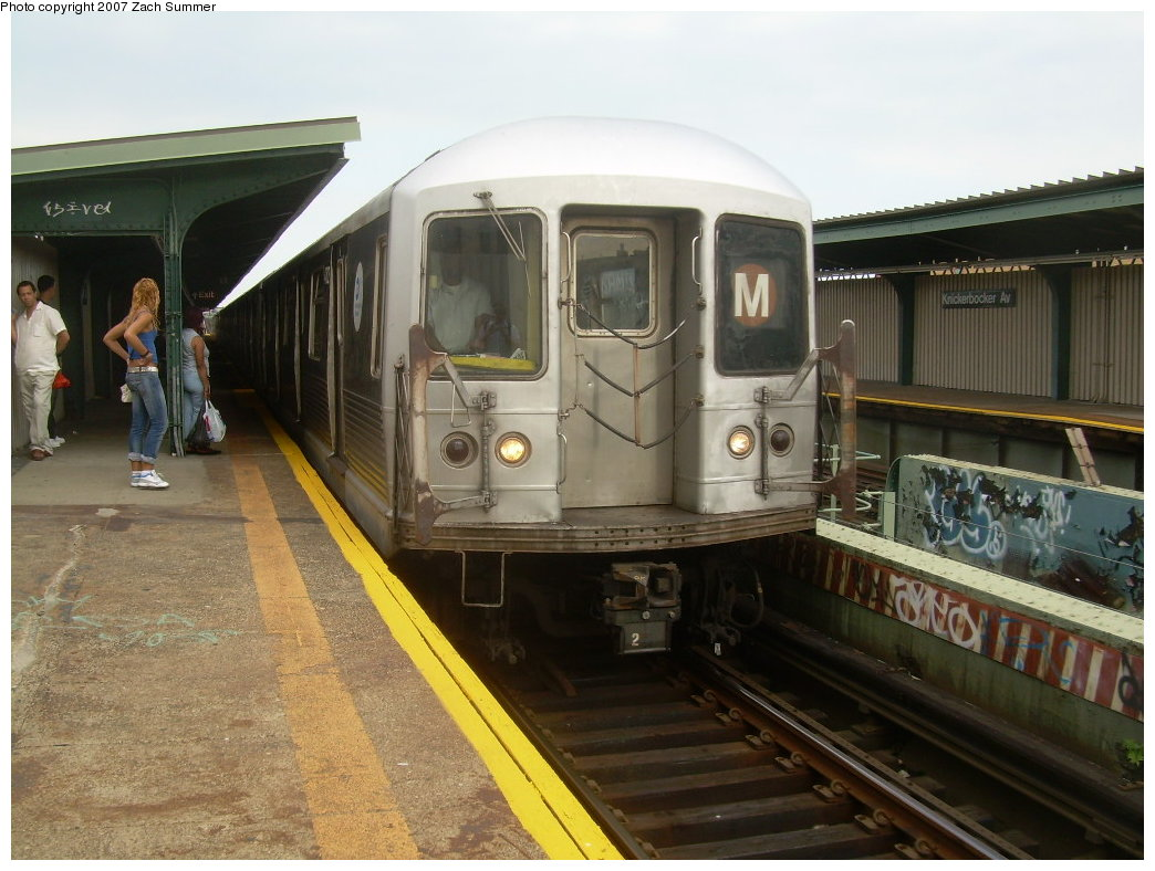 (200k, 1044x788)<br><b>Country:</b> United States<br><b>City:</b> New York<br><b>System:</b> New York City Transit<br><b>Line:</b> BMT Myrtle Avenue Line<br><b>Location:</b> Knickerbocker Avenue <br><b>Route:</b> M<br><b>Car:</b> R-42 (St. Louis, 1969-1970)   <br><b>Photo by:</b> Zach Summer<br><b>Date:</b> 8/28/2007<br><b>Viewed (this week/total):</b> 0 / 2451