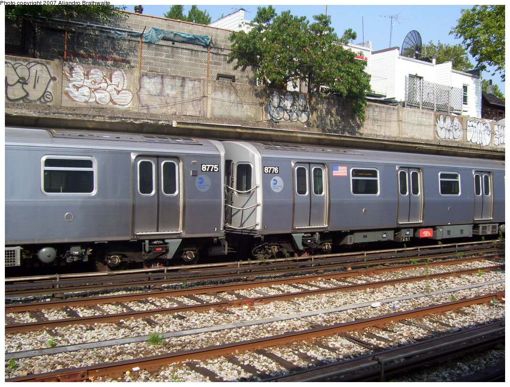 (293k, 1044x791)<br><b>Country:</b> United States<br><b>City:</b> New York<br><b>System:</b> New York City Transit<br><b>Line:</b> BMT Sea Beach Line<br><b>Location:</b> 86th Street <br><b>Route:</b> N<br><b>Car:</b> R-160B (Kawasaki, 2005-2008)  8775 <br><b>Photo by:</b> Aliandro Brathwaite<br><b>Date:</b> 8/30/2007<br><b>Viewed (this week/total):</b> 2 / 2275