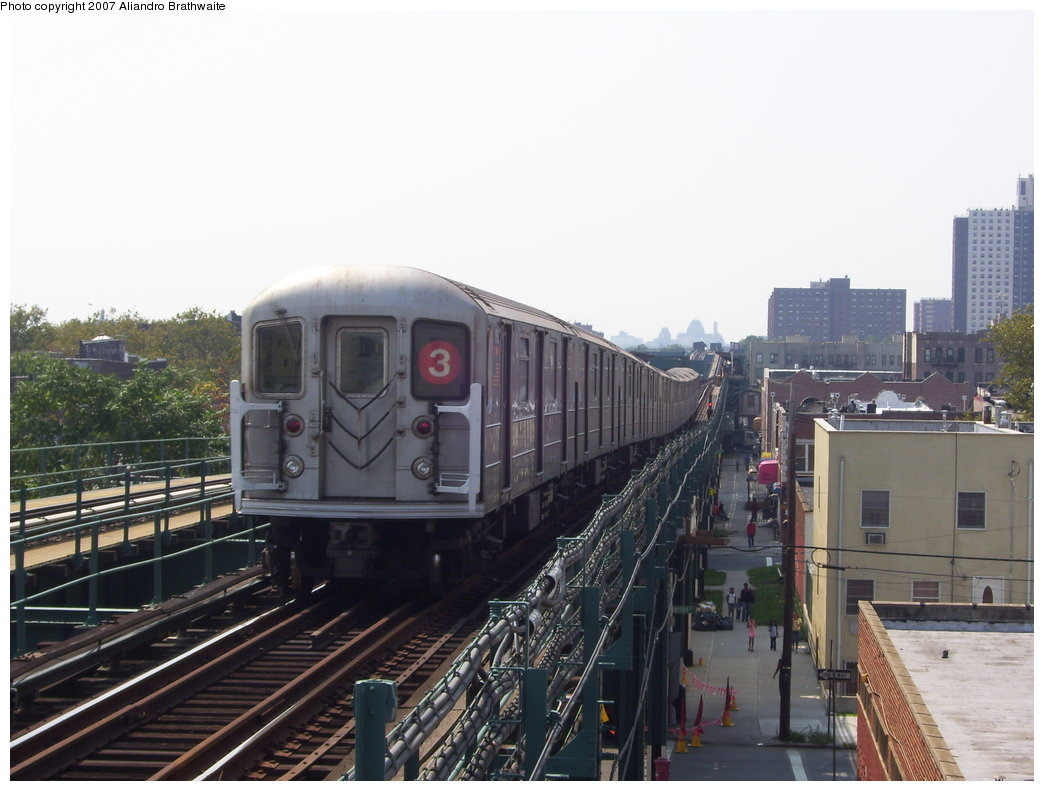 (164k, 1044x791)<br><b>Country:</b> United States<br><b>City:</b> New York<br><b>System:</b> New York City Transit<br><b>Line:</b> IRT Brooklyn Line<br><b>Location:</b> Van Siclen Avenue <br><b>Route:</b> 3<br><b>Car:</b> R-62 (Kawasaki, 1983-1985)  1301 <br><b>Photo by:</b> Aliandro Brathwaite<br><b>Date:</b> 8/30/2007<br><b>Viewed (this week/total):</b> 0 / 2247