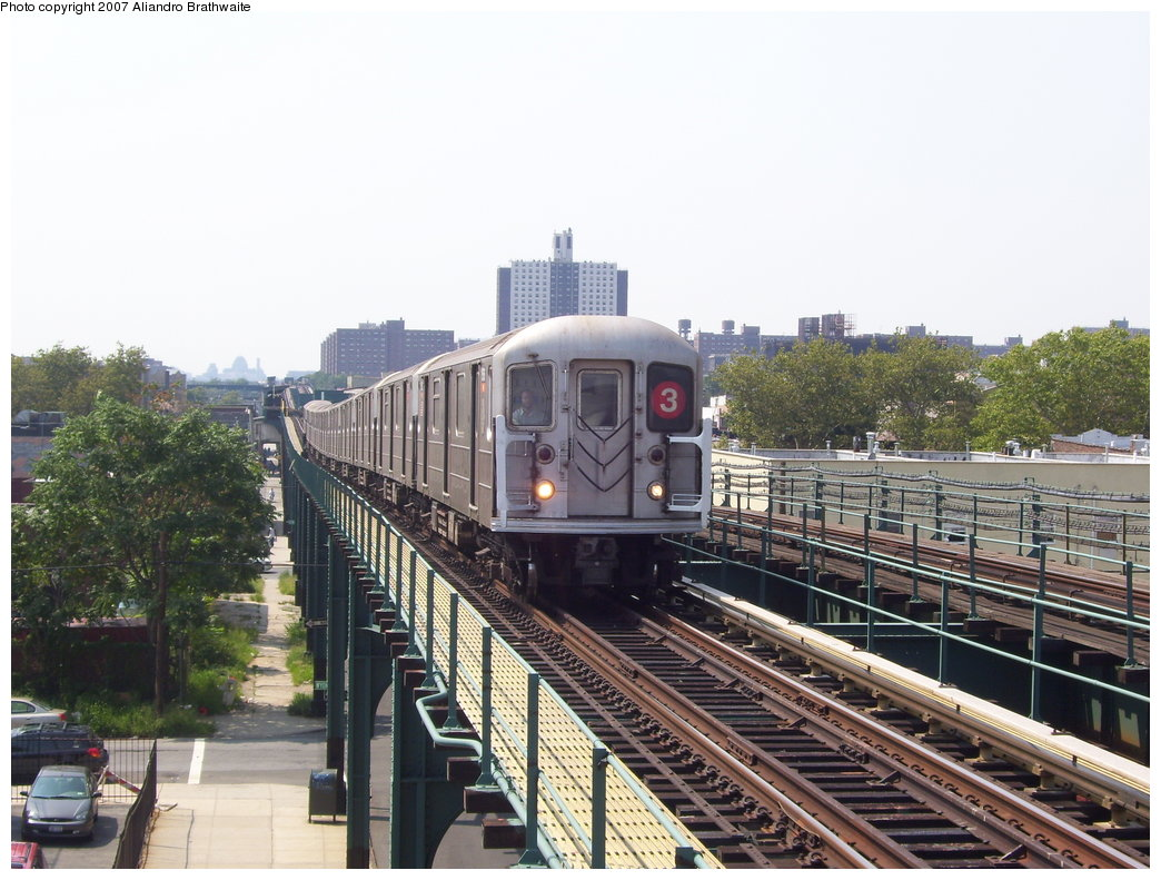 (201k, 1044x791)<br><b>Country:</b> United States<br><b>City:</b> New York<br><b>System:</b> New York City Transit<br><b>Line:</b> IRT Brooklyn Line<br><b>Location:</b> Van Siclen Avenue <br><b>Route:</b> 3<br><b>Car:</b> R-62 (Kawasaki, 1983-1985)  1385 <br><b>Photo by:</b> Aliandro Brathwaite<br><b>Date:</b> 8/30/2007<br><b>Viewed (this week/total):</b> 1 / 2632