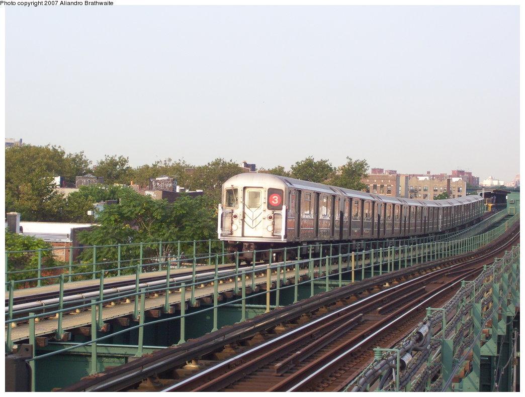 (190k, 1044x791)<br><b>Country:</b> United States<br><b>City:</b> New York<br><b>System:</b> New York City Transit<br><b>Line:</b> IRT Brooklyn Line<br><b>Location:</b> Van Siclen Avenue <br><b>Route:</b> 3<br><b>Car:</b> R-62 (Kawasaki, 1983-1985)  1515 <br><b>Photo by:</b> Aliandro Brathwaite<br><b>Date:</b> 8/30/2007<br><b>Viewed (this week/total):</b> 0 / 2743