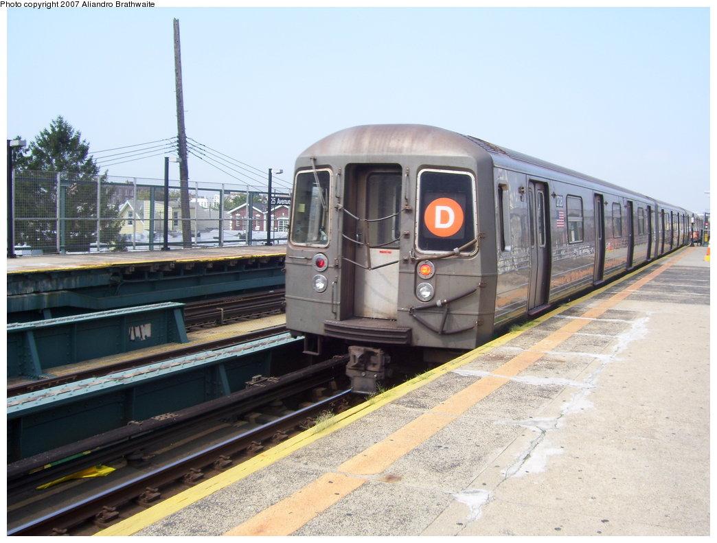 (181k, 1044x791)<br><b>Country:</b> United States<br><b>City:</b> New York<br><b>System:</b> New York City Transit<br><b>Line:</b> BMT West End Line<br><b>Location:</b> 25th Avenue <br><b>Route:</b> D<br><b>Car:</b> R-68 (Westinghouse-Amrail, 1986-1988)  2718 <br><b>Photo by:</b> Aliandro Brathwaite<br><b>Date:</b> 8/30/2007<br><b>Viewed (this week/total):</b> 0 / 1728