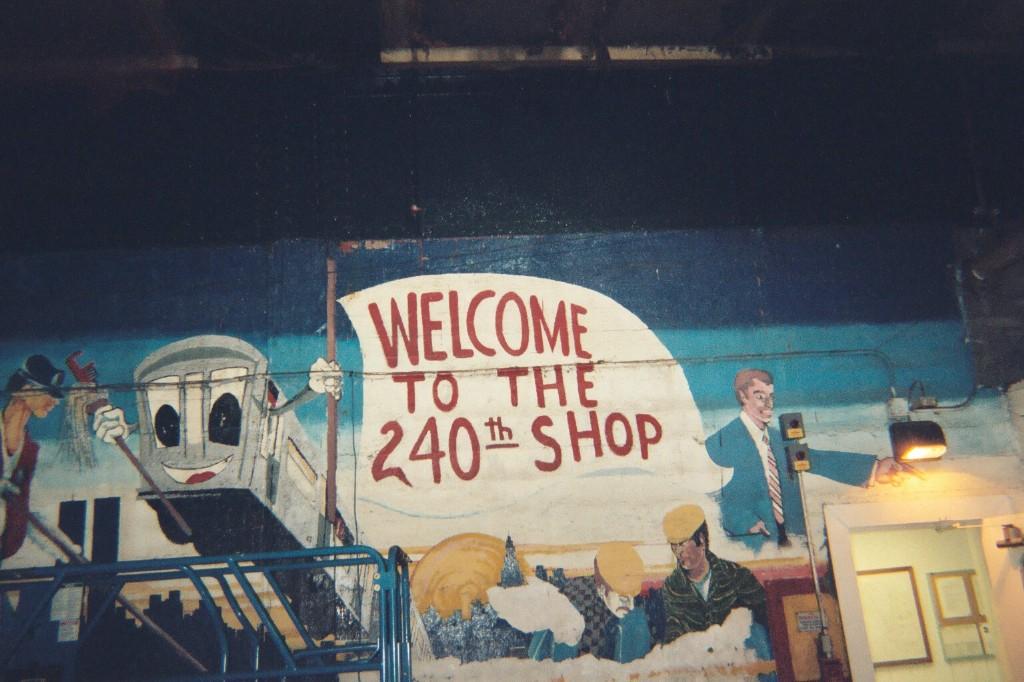 (180k, 1024x682)<br><b>Country:</b> United States<br><b>City:</b> New York<br><b>System:</b> New York City Transit<br><b>Location:</b> 240th Street Yard<br><b>Photo by:</b> Larry Lederman<br><b>Date:</b> 8/18/2007<br><b>Notes:</b> Mural at parking lot entrance to shop.<br><b>Viewed (this week/total):</b> 3 / 3215