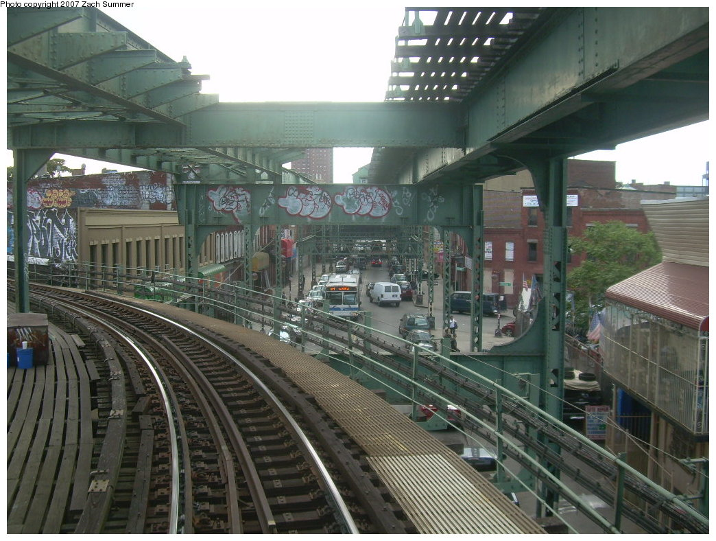 (236k, 1044x788)<br><b>Country:</b> United States<br><b>City:</b> New York<br><b>System:</b> New York City Transit<br><b>Line:</b> BMT Myrtle Avenue Line<br><b>Location:</b> Myrtle-Broadway Connecting Track <br><b>Photo by:</b> Zach Summer<br><b>Date:</b> 8/28/2007<br><b>Notes:</b> Under the Myrtle el remains approacing Myrtle/Broadway southbound.<br><b>Viewed (this week/total):</b> 0 / 3608