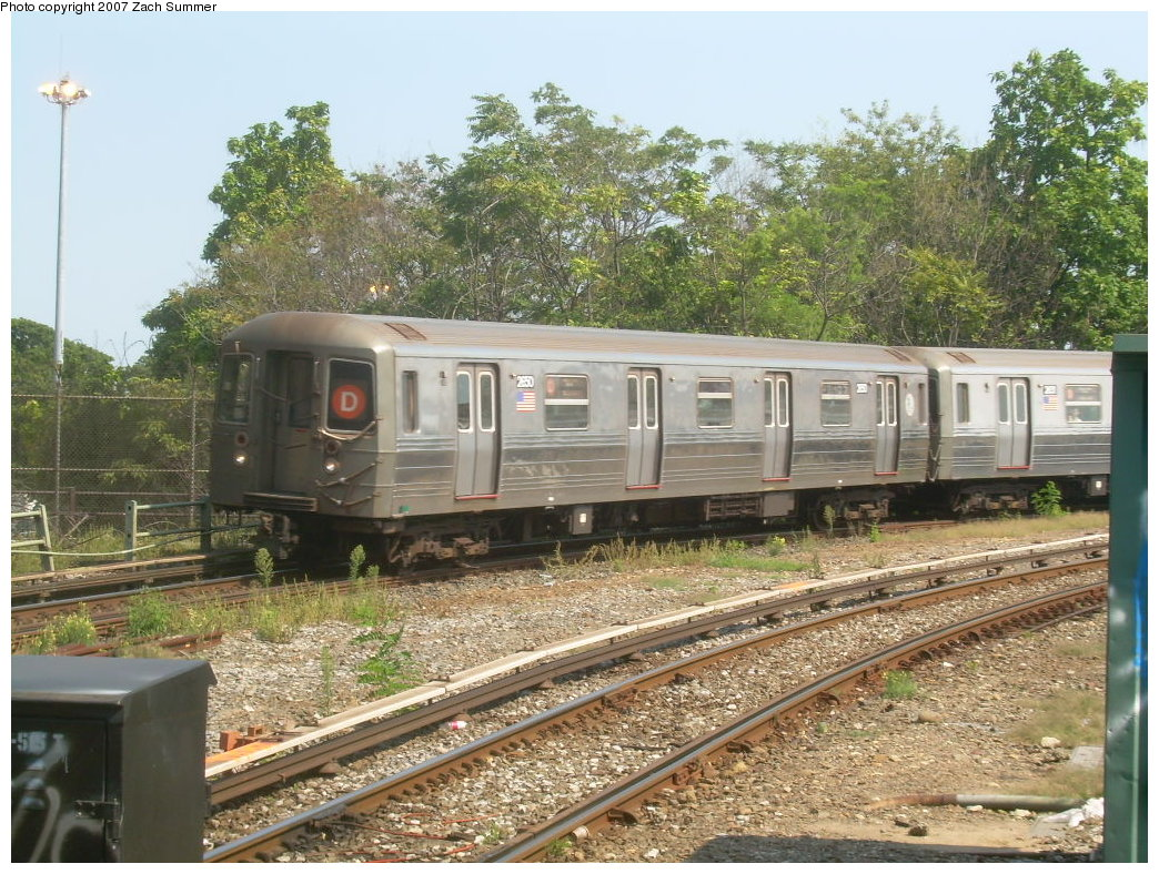 (276k, 1044x788)<br><b>Country:</b> United States<br><b>City:</b> New York<br><b>System:</b> New York City Transit<br><b>Line:</b> BMT West End Line<br><b>Location:</b> 9th Avenue <br><b>Route:</b> D<br><b>Car:</b> R-68 (Westinghouse-Amrail, 1986-1988)  2650 <br><b>Photo by:</b> Zach Summer<br><b>Date:</b> 8/29/2007<br><b>Viewed (this week/total):</b> 0 / 1840