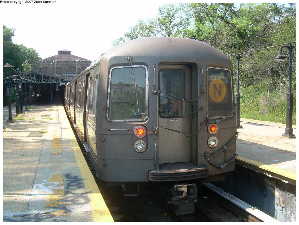 (230k, 1044x788)<br><b>Country:</b> United States<br><b>City:</b> New York<br><b>System:</b> New York City Transit<br><b>Line:</b> BMT West End Line<br><b>Location:</b> 9th Avenue <br><b>Route:</b> N<br><b>Car:</b> R-68 (Westinghouse-Amrail, 1986-1988)  2696 <br><b>Photo by:</b> Zach Summer<br><b>Date:</b> 8/29/2007<br><b>Notes:</b> Reroute via West End.<br><b>Viewed (this week/total):</b> 0 / 1889