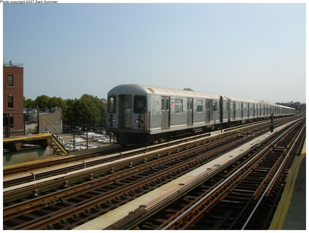 (209k, 1044x788)<br><b>Country:</b> United States<br><b>City:</b> New York<br><b>System:</b> New York City Transit<br><b>Line:</b> BMT West End Line<br><b>Location:</b> 71st Street <br><b>Route:</b> M<br><b>Car:</b> R-42 (St. Louis, 1969-1970)  4585 <br><b>Photo by:</b> Zach Summer<br><b>Date:</b> 8/29/2007<br><b>Viewed (this week/total):</b> 0 / 1660