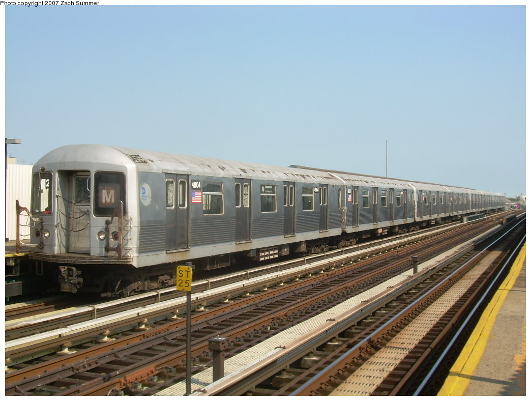(197k, 1044x788)<br><b>Country:</b> United States<br><b>City:</b> New York<br><b>System:</b> New York City Transit<br><b>Line:</b> BMT West End Line<br><b>Location:</b> 20th Avenue <br><b>Route:</b> M<br><b>Car:</b> R-42 (St. Louis, 1969-1970)  4904 <br><b>Photo by:</b> Zach Summer<br><b>Date:</b> 8/29/2007<br><b>Viewed (this week/total):</b> 1 / 1784