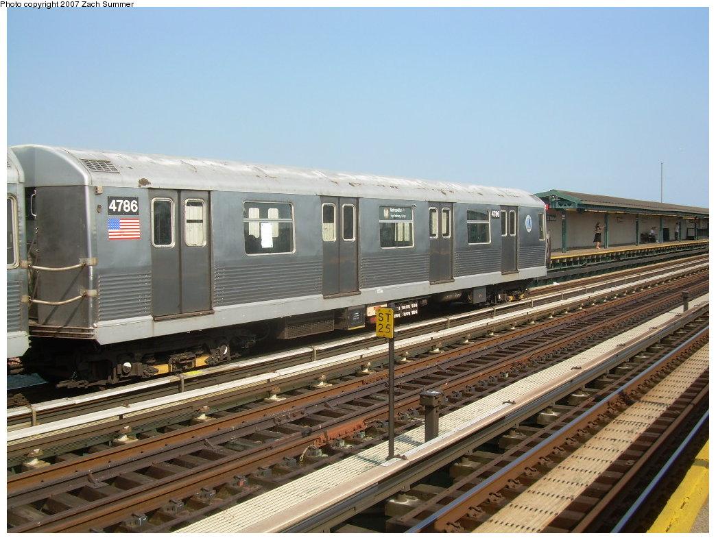 (218k, 1044x788)<br><b>Country:</b> United States<br><b>City:</b> New York<br><b>System:</b> New York City Transit<br><b>Line:</b> BMT West End Line<br><b>Location:</b> 20th Avenue <br><b>Route:</b> M<br><b>Car:</b> R-42 (St. Louis, 1969-1970)  4786 <br><b>Photo by:</b> Zach Summer<br><b>Date:</b> 8/29/2007<br><b>Viewed (this week/total):</b> 0 / 1900