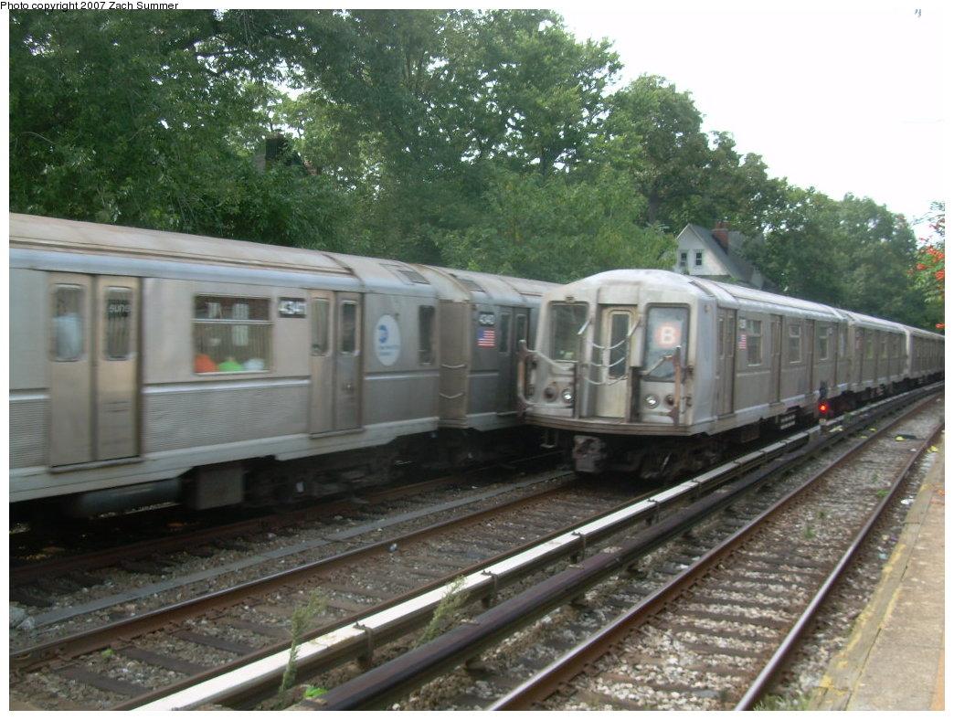 (218k, 1044x788)<br><b>Country:</b> United States<br><b>City:</b> New York<br><b>System:</b> New York City Transit<br><b>Line:</b> BMT Brighton Line<br><b>Location:</b> Avenue H <br><b>Route:</b> B<br><b>Car:</b> R-40 (St. Louis, 1968)  4341 <br><b>Photo by:</b> Zach Summer<br><b>Date:</b> 8/31/2007<br><b>Viewed (this week/total):</b> 0 / 2274