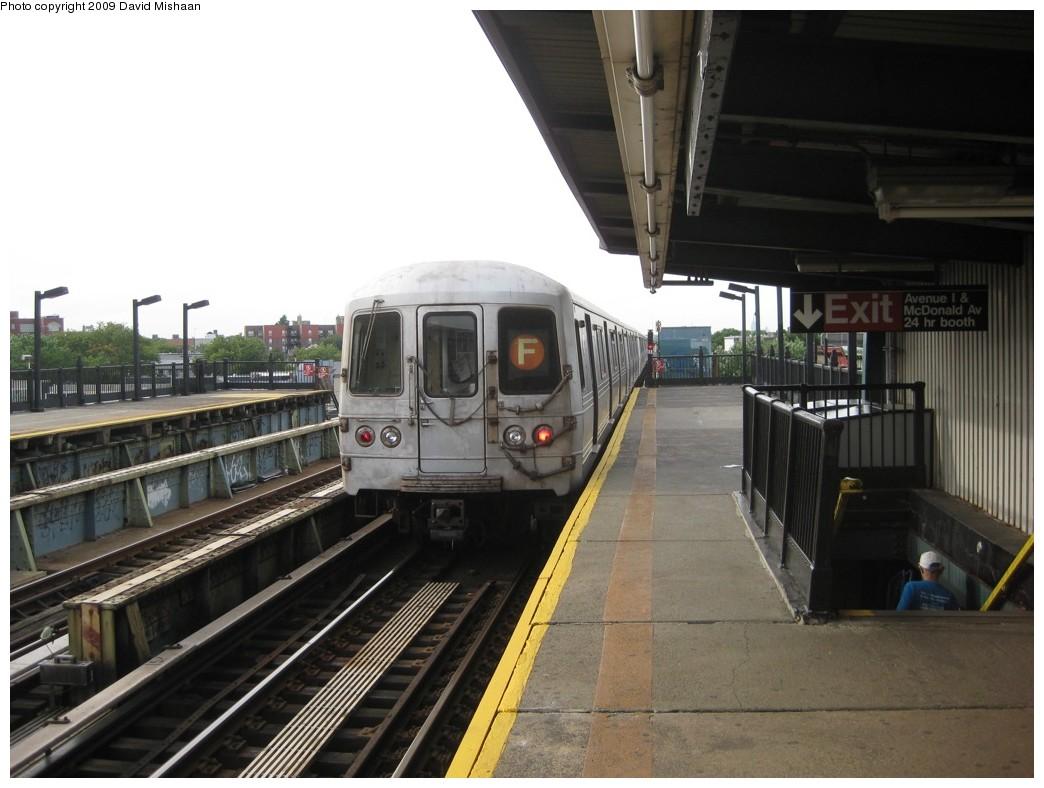 (175k, 1044x788)<br><b>Country:</b> United States<br><b>City:</b> New York<br><b>System:</b> New York City Transit<br><b>Line:</b> BMT Culver Line<br><b>Location:</b> Avenue I <br><b>Route:</b> F<br><b>Car:</b> R-46 (Pullman-Standard, 1974-75)  <br><b>Photo by:</b> David M. <br><b>Date:</b> 7/15/2009<br><b>Viewed (this week/total):</b> 0 / 1128