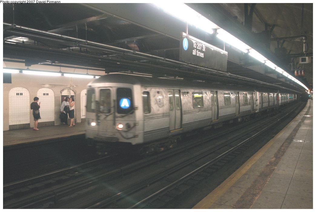 (171k, 1044x701)<br><b>Country:</b> United States<br><b>City:</b> New York<br><b>System:</b> New York City Transit<br><b>Line:</b> IND 8th Avenue Line<br><b>Location:</b> 181st Street <br><b>Route:</b> A<br><b>Car:</b> R-44 (St. Louis, 1971-73)  <br><b>Photo by:</b> David Pirmann<br><b>Date:</b> 9/10/2007<br><b>Viewed (this week/total):</b> 0 / 2853