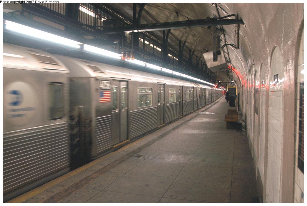 (195k, 1044x701)<br><b>Country:</b> United States<br><b>City:</b> New York<br><b>System:</b> New York City Transit<br><b>Line:</b> IND 8th Avenue Line<br><b>Location:</b> 181st Street <br><b>Route:</b> A<br><b>Car:</b> R-38 (St. Louis, 1966-1967)  4056 <br><b>Photo by:</b> David Pirmann<br><b>Date:</b> 9/10/2007<br><b>Viewed (this week/total):</b> 3 / 2294