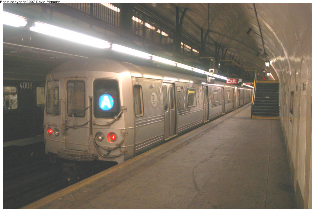 (179k, 1044x701)<br><b>Country:</b> United States<br><b>City:</b> New York<br><b>System:</b> New York City Transit<br><b>Line:</b> IND 8th Avenue Line<br><b>Location:</b> 181st Street <br><b>Route:</b> A<br><b>Car:</b> R-44 (St. Louis, 1971-73) 5378 <br><b>Photo by:</b> David Pirmann<br><b>Date:</b> 9/10/2007<br><b>Viewed (this week/total):</b> 1 / 2408