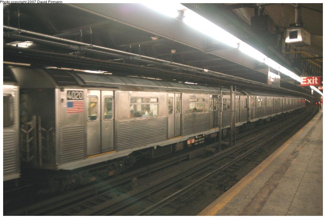 (183k, 1044x701)<br><b>Country:</b> United States<br><b>City:</b> New York<br><b>System:</b> New York City Transit<br><b>Line:</b> IND 8th Avenue Line<br><b>Location:</b> 181st Street <br><b>Route:</b> A<br><b>Car:</b> R-38 (St. Louis, 1966-1967)  4020 <br><b>Photo by:</b> David Pirmann<br><b>Date:</b> 9/10/2007<br><b>Viewed (this week/total):</b> 1 / 2704