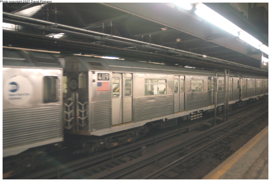 (172k, 1044x701)<br><b>Country:</b> United States<br><b>City:</b> New York<br><b>System:</b> New York City Transit<br><b>Line:</b> IND 8th Avenue Line<br><b>Location:</b> 181st Street <br><b>Route:</b> A<br><b>Car:</b> R-38 (St. Louis, 1966-1967)  4119 <br><b>Photo by:</b> David Pirmann<br><b>Date:</b> 9/10/2007<br><b>Viewed (this week/total):</b> 3 / 2313