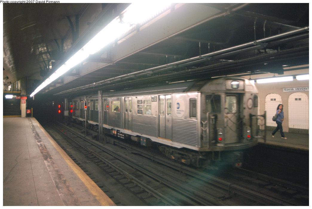(178k, 1044x701)<br><b>Country:</b> United States<br><b>City:</b> New York<br><b>System:</b> New York City Transit<br><b>Line:</b> IND 8th Avenue Line<br><b>Location:</b> 181st Street <br><b>Route:</b> A<br><b>Car:</b> R-38 (St. Louis, 1966-1967)  4118 <br><b>Photo by:</b> David Pirmann<br><b>Date:</b> 9/10/2007<br><b>Viewed (this week/total):</b> 0 / 2503