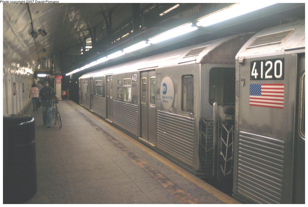 (186k, 1044x701)<br><b>Country:</b> United States<br><b>City:</b> New York<br><b>System:</b> New York City Transit<br><b>Line:</b> IND 8th Avenue Line<br><b>Location:</b> 181st Street <br><b>Route:</b> A<br><b>Car:</b> R-38 (St. Louis, 1966-1967)  4121 <br><b>Photo by:</b> David Pirmann<br><b>Date:</b> 9/10/2007<br><b>Viewed (this week/total):</b> 2 / 1686
