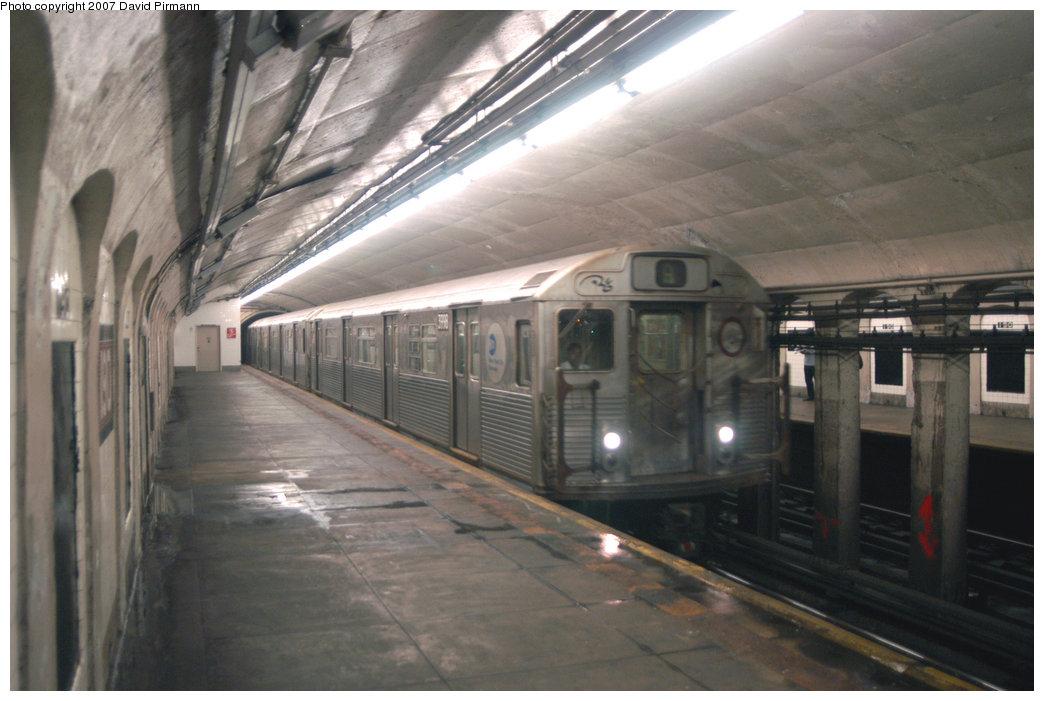 (184k, 1044x701)<br><b>Country:</b> United States<br><b>City:</b> New York<br><b>System:</b> New York City Transit<br><b>Line:</b> IND 8th Avenue Line<br><b>Location:</b> 190th Street/Overlook Terrace <br><b>Route:</b> A<br><b>Car:</b> R-38 (St. Louis, 1966-1967)  3998 <br><b>Photo by:</b> David Pirmann<br><b>Date:</b> 9/10/2007<br><b>Viewed (this week/total):</b> 5 / 2378