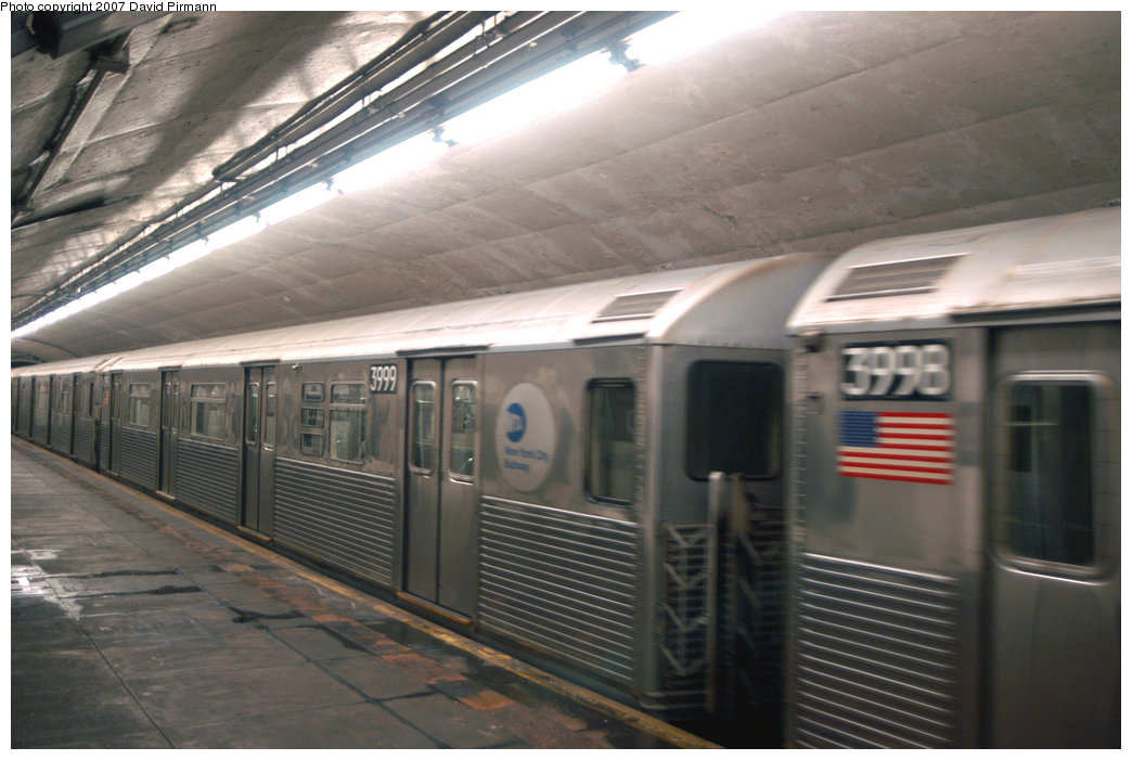 (194k, 1044x701)<br><b>Country:</b> United States<br><b>City:</b> New York<br><b>System:</b> New York City Transit<br><b>Line:</b> IND 8th Avenue Line<br><b>Location:</b> 190th Street/Overlook Terrace <br><b>Route:</b> A<br><b>Car:</b> R-38 (St. Louis, 1966-1967)  3999 <br><b>Photo by:</b> David Pirmann<br><b>Date:</b> 9/10/2007<br><b>Viewed (this week/total):</b> 0 / 2208