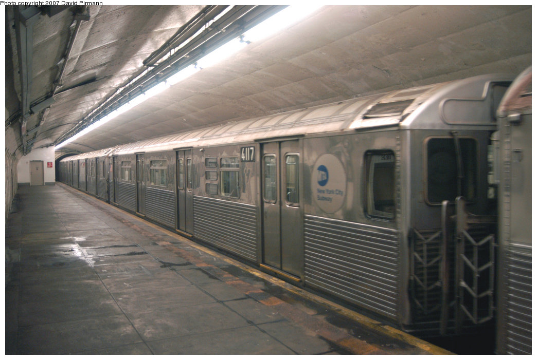 (189k, 1044x701)<br><b>Country:</b> United States<br><b>City:</b> New York<br><b>System:</b> New York City Transit<br><b>Line:</b> IND 8th Avenue Line<br><b>Location:</b> 190th Street/Overlook Terrace <br><b>Route:</b> A<br><b>Car:</b> R-38 (St. Louis, 1966-1967)  4117 <br><b>Photo by:</b> David Pirmann<br><b>Date:</b> 9/10/2007<br><b>Viewed (this week/total):</b> 3 / 2270