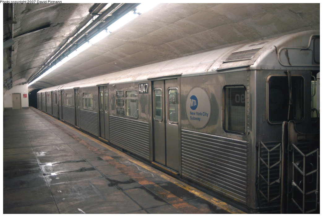 (193k, 1044x701)<br><b>Country:</b> United States<br><b>City:</b> New York<br><b>System:</b> New York City Transit<br><b>Line:</b> IND 8th Avenue Line<br><b>Location:</b> 190th Street/Overlook Terrace <br><b>Route:</b> A<br><b>Car:</b> R-38 (St. Louis, 1966-1967)  4047 <br><b>Photo by:</b> David Pirmann<br><b>Date:</b> 9/10/2007<br><b>Viewed (this week/total):</b> 1 / 2244