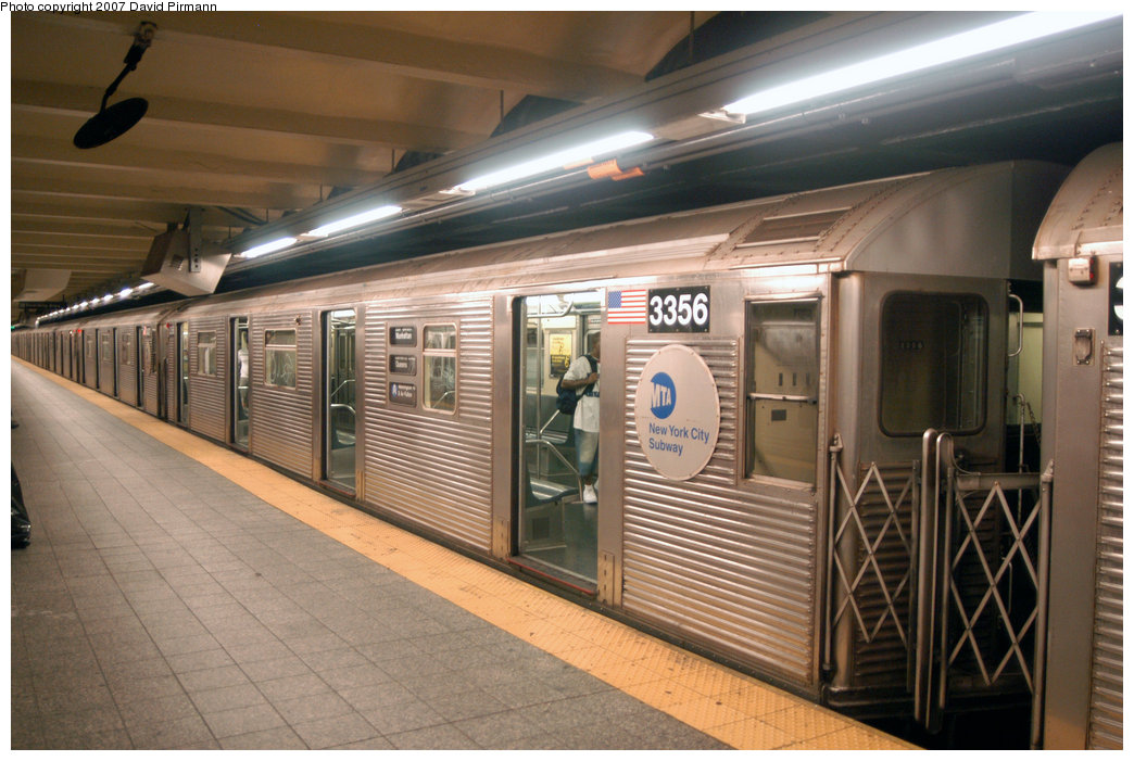 (217k, 1044x701)<br><b>Country:</b> United States<br><b>City:</b> New York<br><b>System:</b> New York City Transit<br><b>Line:</b> IND 8th Avenue Line<br><b>Location:</b> 207th Street <br><b>Route:</b> A<br><b>Car:</b> R-32 (Budd, 1964)  3356 <br><b>Photo by:</b> David Pirmann<br><b>Date:</b> 9/10/2007<br><b>Viewed (this week/total):</b> 0 / 1985