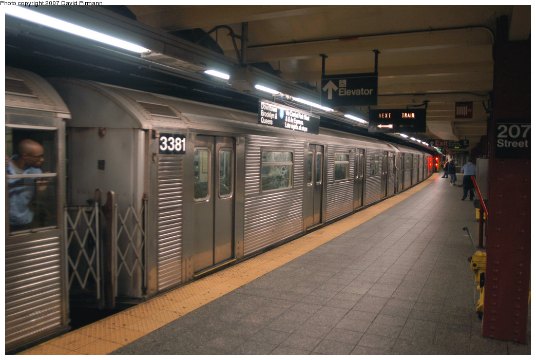 (193k, 1044x701)<br><b>Country:</b> United States<br><b>City:</b> New York<br><b>System:</b> New York City Transit<br><b>Line:</b> IND 8th Avenue Line<br><b>Location:</b> 207th Street <br><b>Route:</b> A<br><b>Car:</b> R-32 (Budd, 1964)  3381 <br><b>Photo by:</b> David Pirmann<br><b>Date:</b> 9/10/2007<br><b>Viewed (this week/total):</b> 1 / 1585