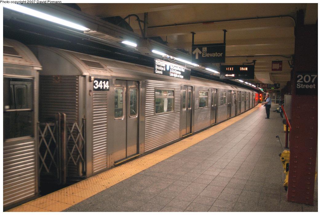 (205k, 1044x701)<br><b>Country:</b> United States<br><b>City:</b> New York<br><b>System:</b> New York City Transit<br><b>Line:</b> IND 8th Avenue Line<br><b>Location:</b> 207th Street <br><b>Route:</b> A<br><b>Car:</b> R-32 (Budd, 1964)  3414 <br><b>Photo by:</b> David Pirmann<br><b>Date:</b> 9/10/2007<br><b>Viewed (this week/total):</b> 0 / 1126