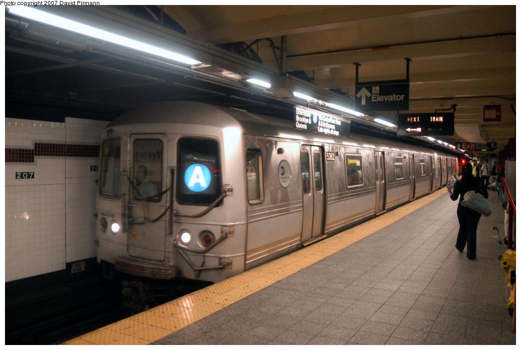 (183k, 1044x701)<br><b>Country:</b> United States<br><b>City:</b> New York<br><b>System:</b> New York City Transit<br><b>Line:</b> IND 8th Avenue Line<br><b>Location:</b> 207th Street <br><b>Route:</b> A<br><b>Car:</b> R-44 (St. Louis, 1971-73) 5362 <br><b>Photo by:</b> David Pirmann<br><b>Date:</b> 9/10/2007<br><b>Viewed (this week/total):</b> 1 / 2085